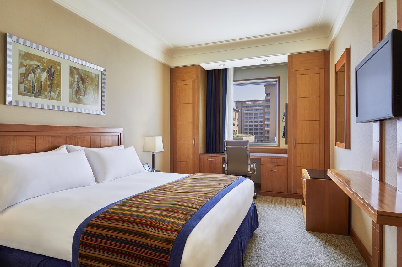 فندق هوليداي إن  سيتي ستارز القاهرة