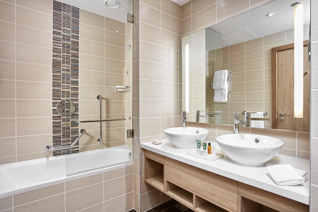 فندق هيلتون جاردن ان دبي مول الامارات
