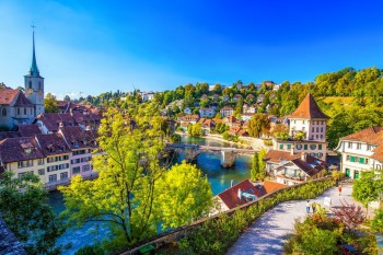 رحلة سويسرا وفرنسا العائلية اليوم الوطني