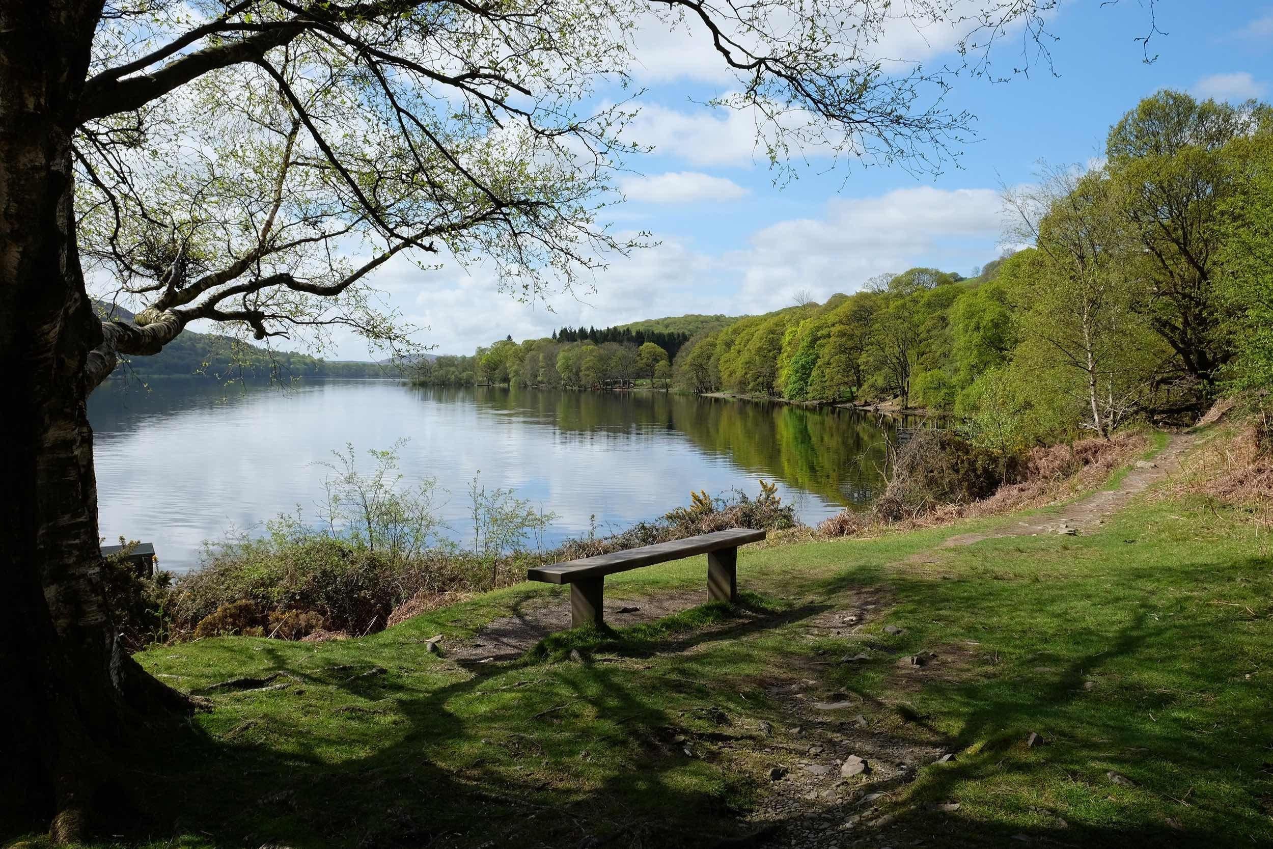بريطانيا منطقة البحيرات اهم الاماكن السياحيه ماء كونيستون