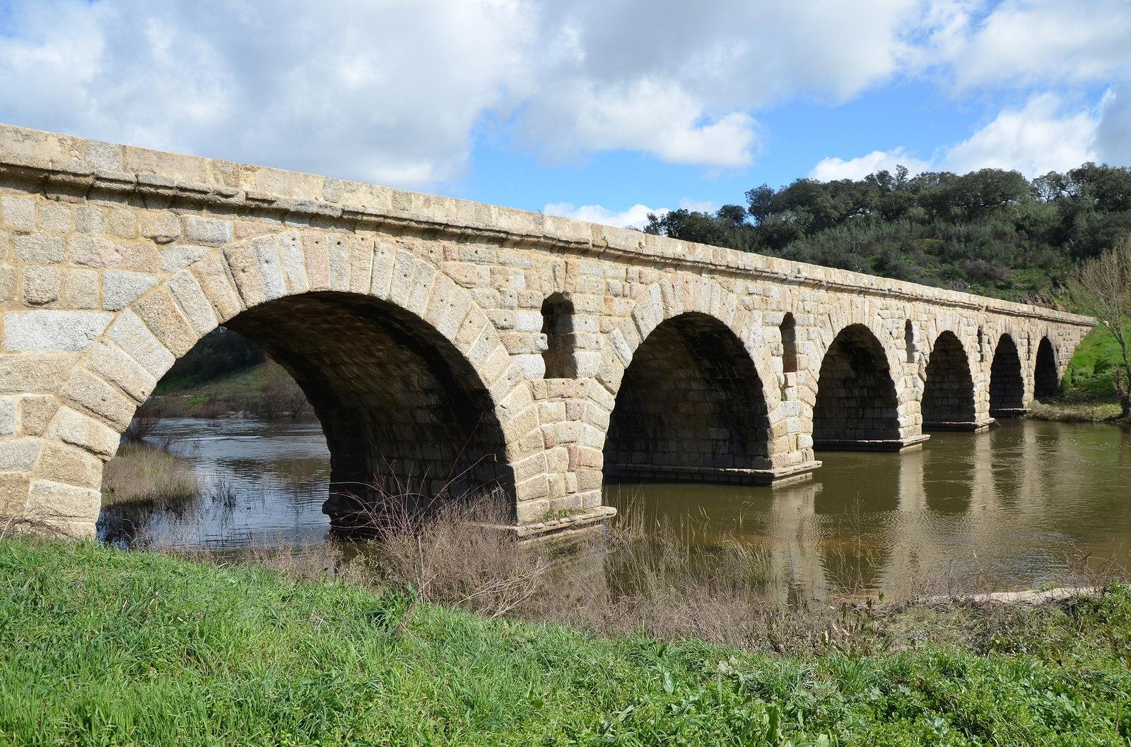 إسبانيا قرطبة اهم الاماكن السياحية الجسر الروماني
