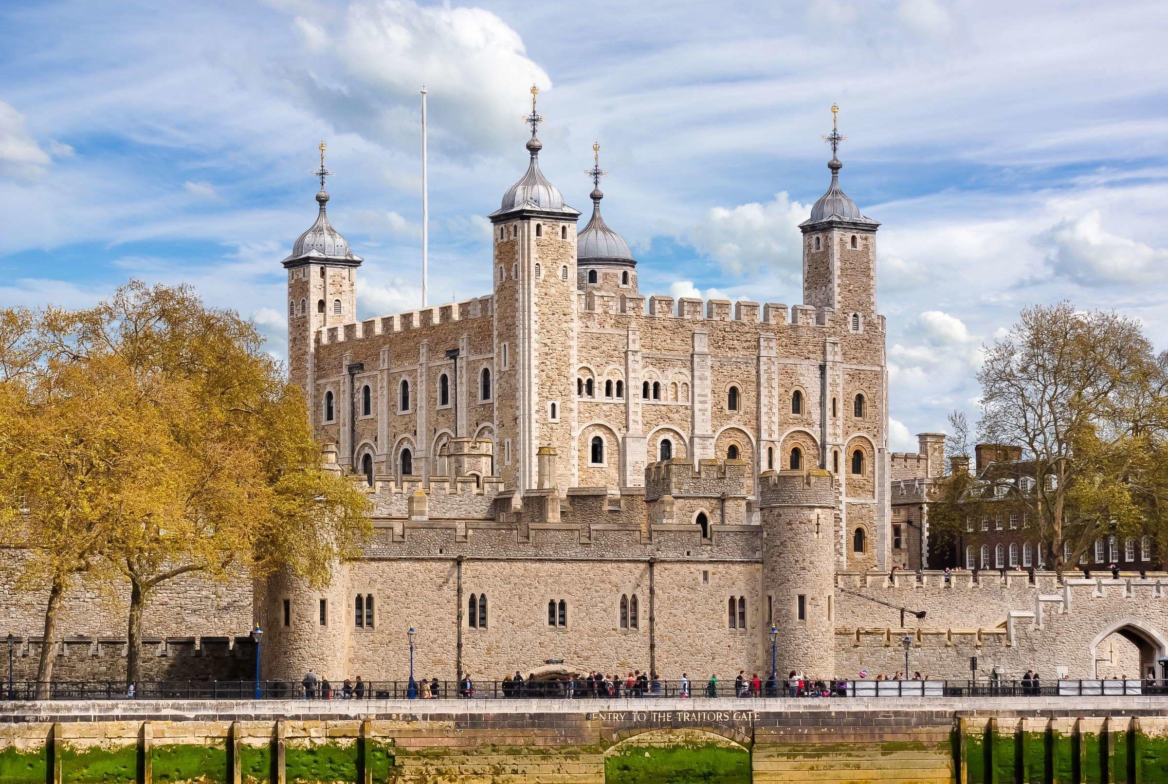 بريطانيا لندن اهم الاماكن السياحية برج لندن