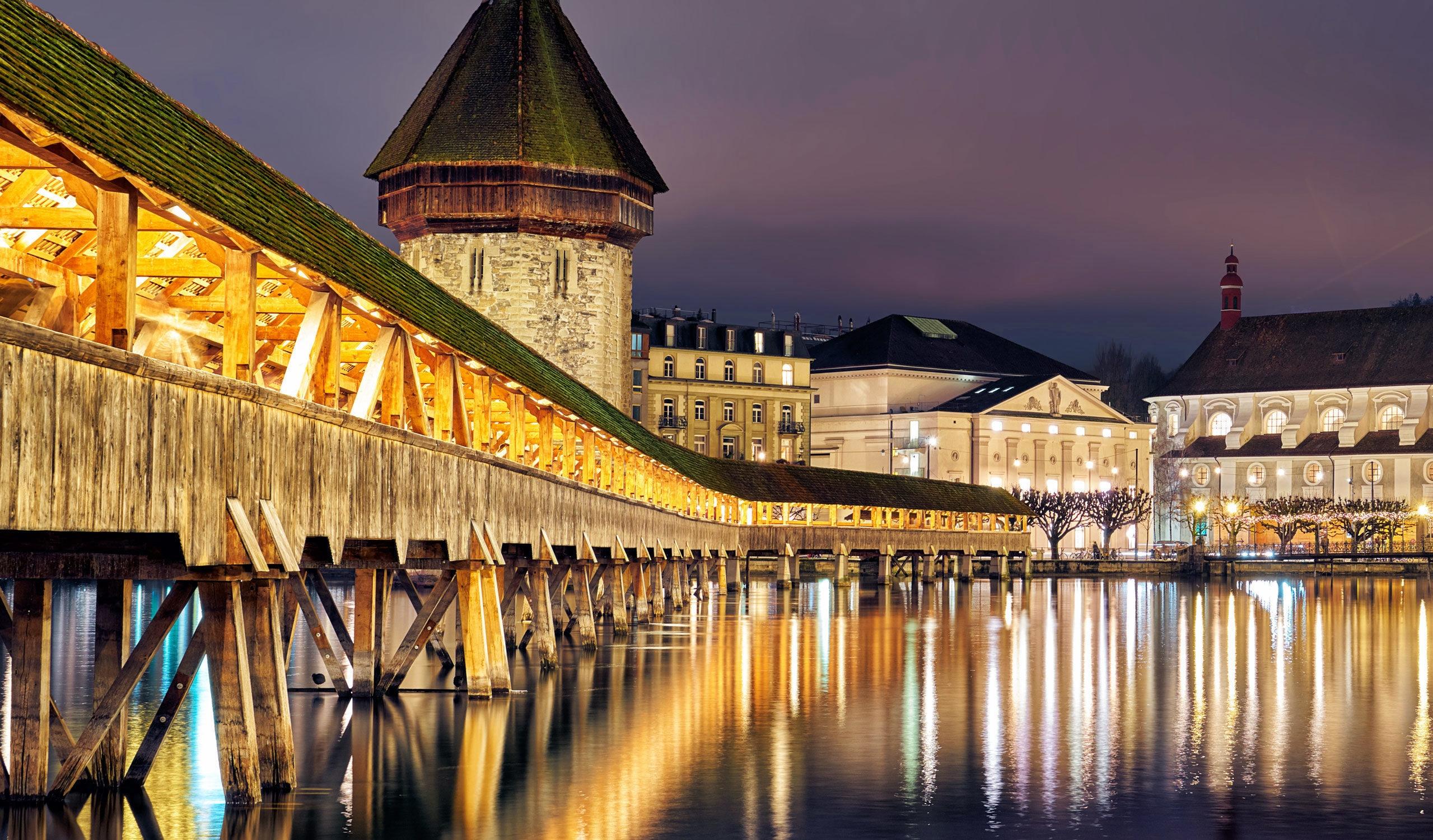 سويسرا لوسيرن اجمل الاماكن السياحيه جسر تشابل لوسيرن
