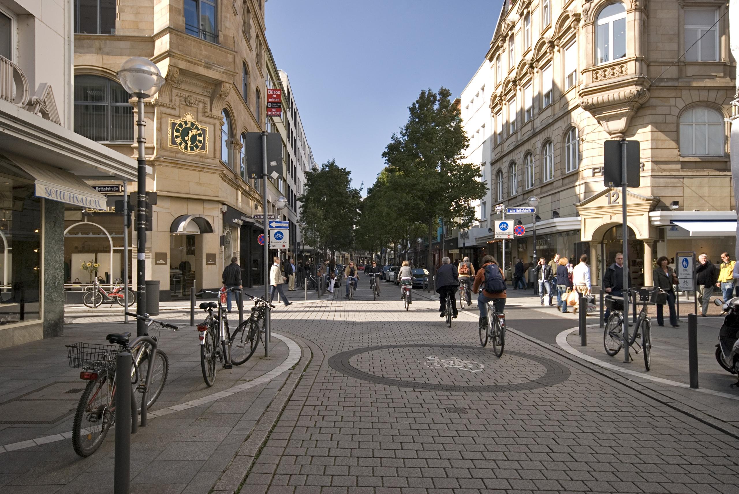 المانيا فرانكفورت اهم اماكن التسوق والمطاعم شارع غوته شتراسه
