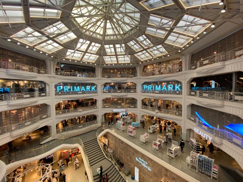 إسبانيا برشلونة افضل اماكن التسوق والمطاعم متجر بريمارك