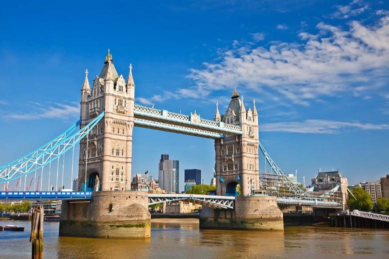 بريطانيا لندن اهم الاماكن السياحية جسر البرج في لندن