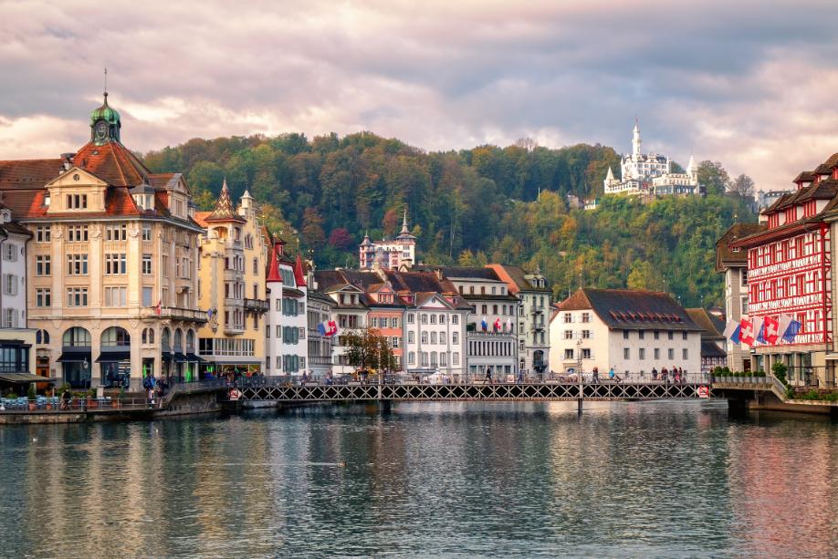 سويسرا لوسيرن اجمل الاماكن السياحيه المدينة القديمة لوسيرن