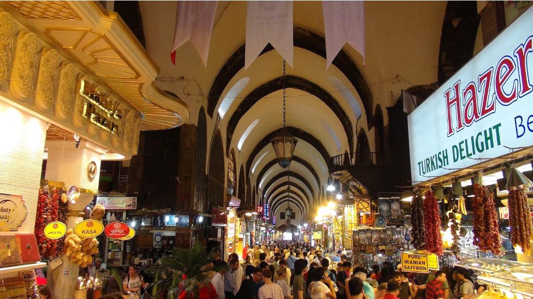 تركيا اسطنبول اهم اماكن التسوق والمطاعم السوق المصرى