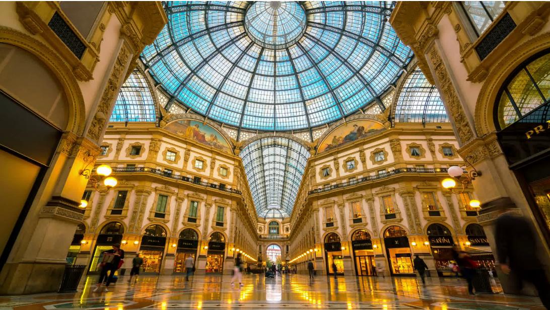 ايطاليا ميلانو اهم اماكن التسوق والمطاعم سوق غاليريا فيتوريو إيمانويل الثاني