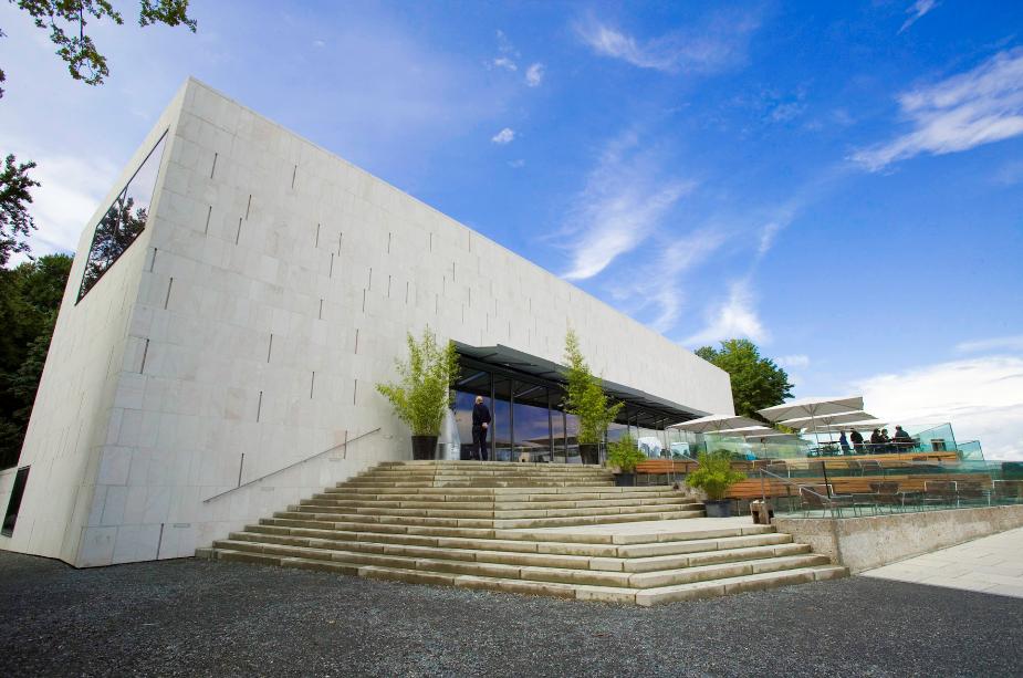 النمسا سالزبورغ اهم الاماكن السياحية متحف الفن الحديث
