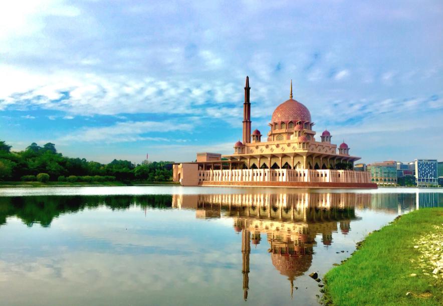 ماليزيا سلانجور الاماكن السياحيه مسجد بوترا