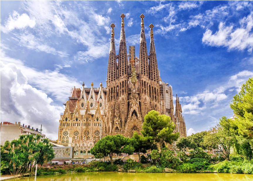 إسبانيا برشلونة اهم الاماكن السياحية كنيسة ساغر ادا فاميليا