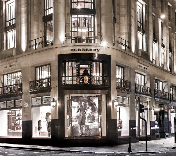 بريطانيا لندن افضل اماكن التسوق والمطاعم اوت لت بربري