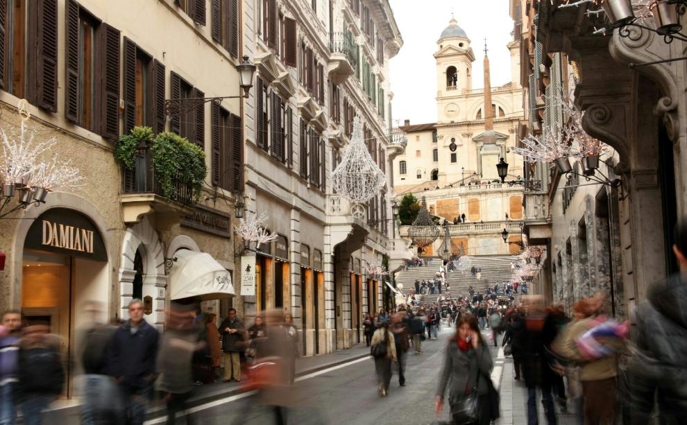 ايطاليا روما اهم اماكن التسوق والمطاعم شارع فيا كولا دي رينزو