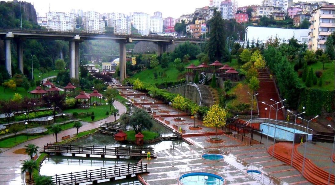 تركيا طرابزون اهم الاماكن السياحيه ميدان طرابزون