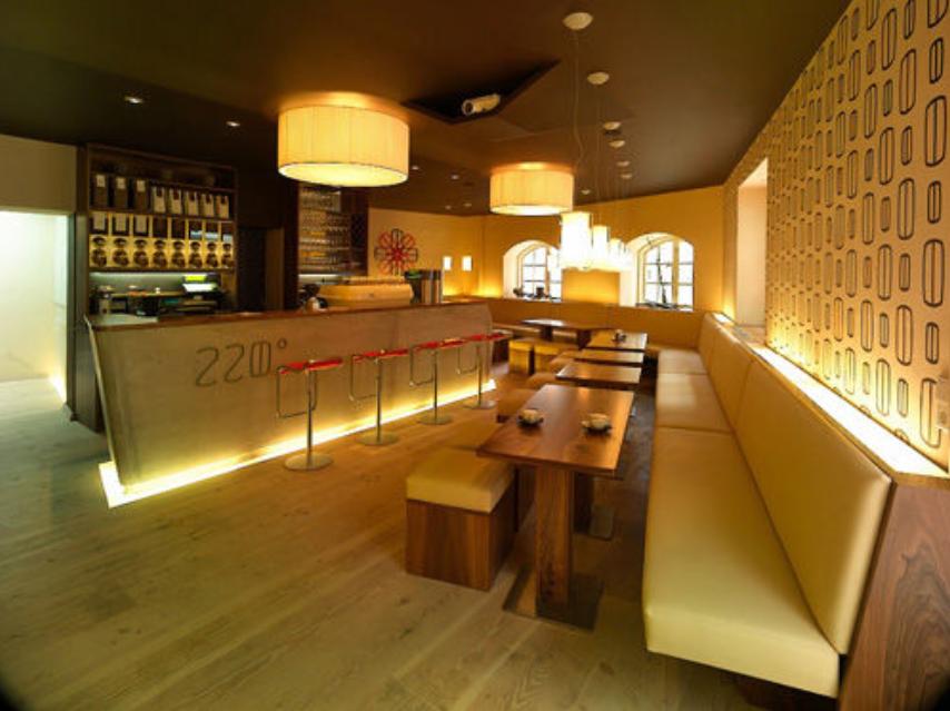 النمسا سالزبورغ افضل اماكن التسوق والمطاعم مطعم 220 جراد