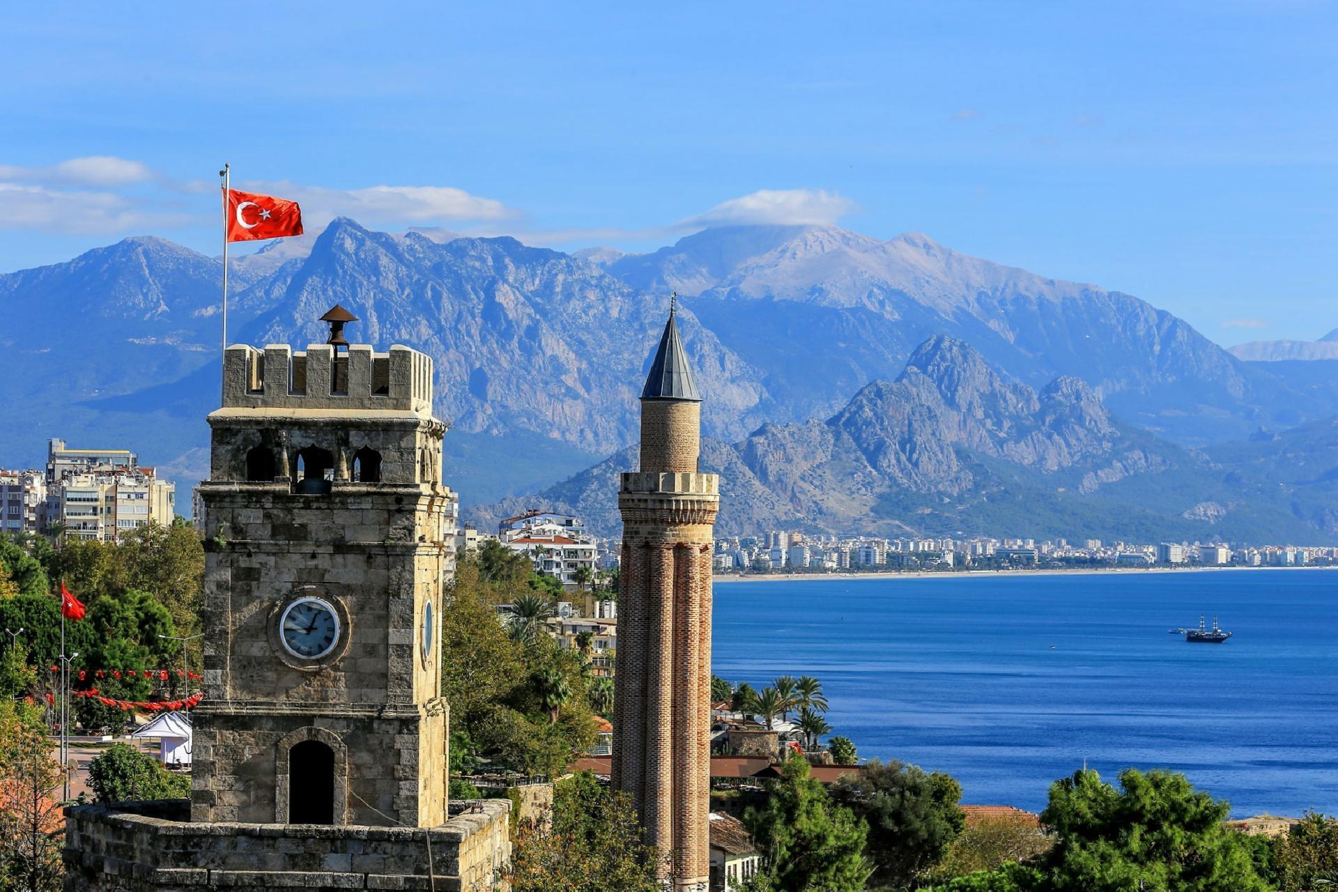 تركيا انطاليا اهم الاماكن السياحيه برج الساعه