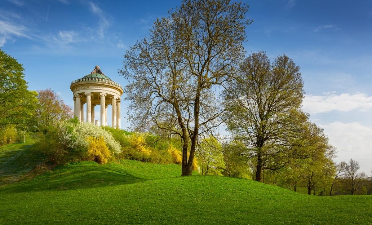 المانيا ميونخ اهم الاماكن السياحية الحديقة الانجليزية