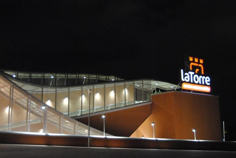 ايطاليا روما اجمل اماكن التوق والمطاعم في روما مركز تسوق لاتوررى