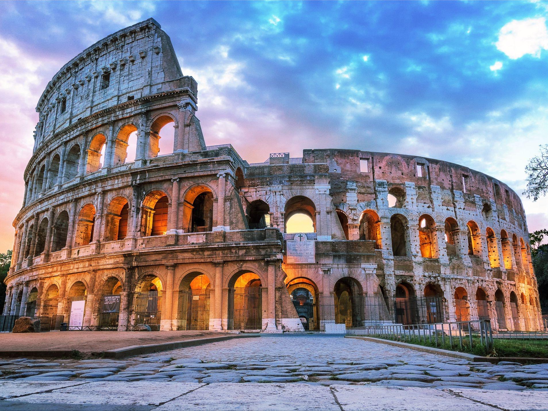 ايطاليا روما اهم الاماكن السياحيه مدرج كولوسيوم