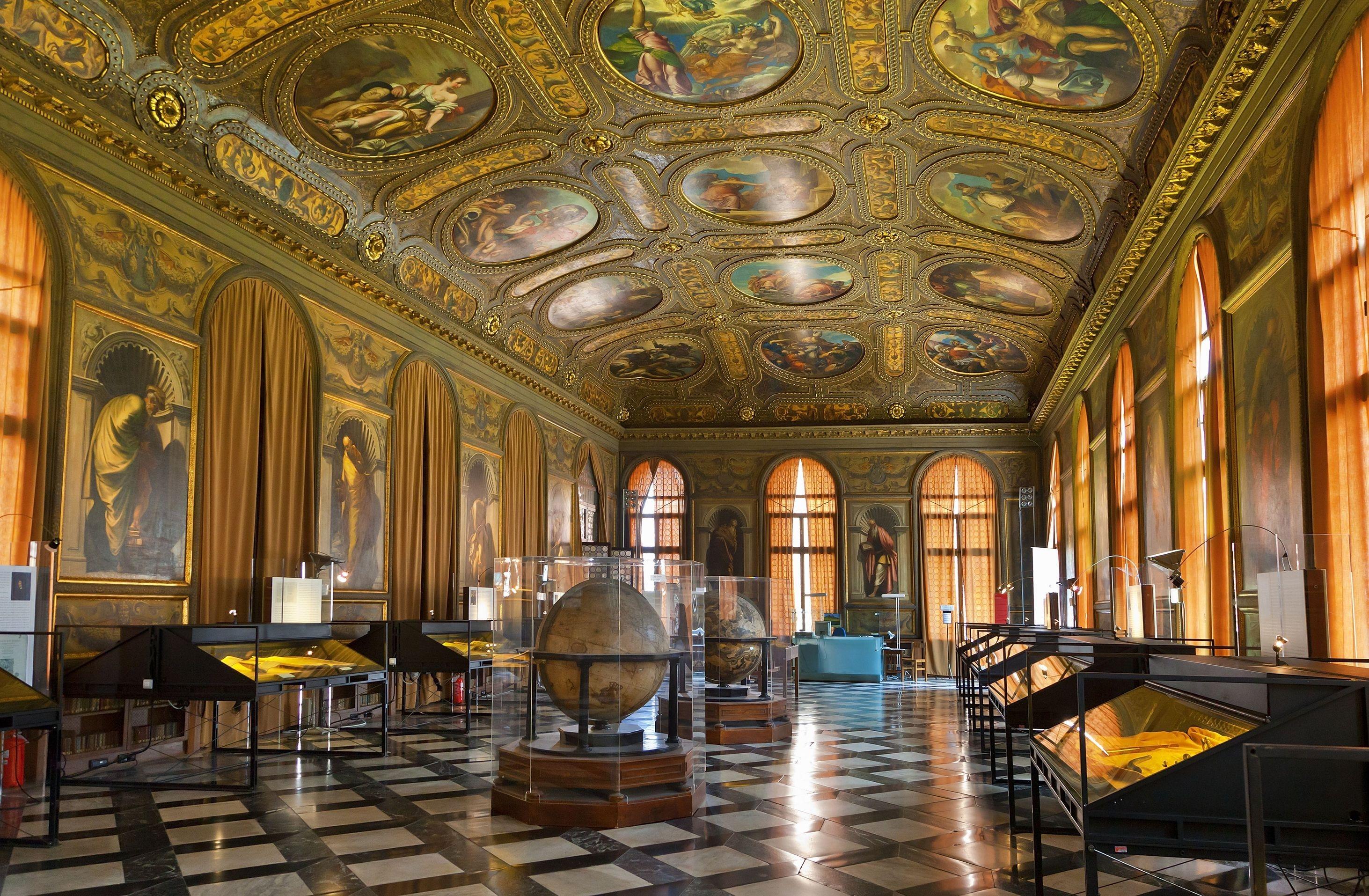 ايطاليا فينيسيا اهم الاماكن السياحيه متحف كورير